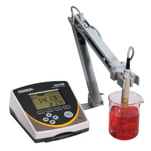 Oakton CON 2700 Benchtop Meter with Conductivity Probe and Stand, with NIST Traceable Certificate of Calibration - WD-35412-01