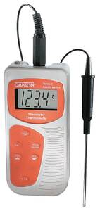 Oakton Acorn Temp 5 Thermistor Thermometer and Probe - WD-35626-10