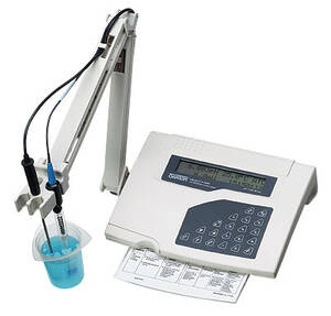 Oakton pH 1100 Benchtop pH/mV/°C/°F Meter with pH Electrode, Temperature Probe and Electrode Stand - WD-35620-20