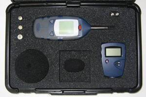 Casella Sound Level Meter Kit with Meter, Calibrator, Small Windscreen, Wrist Strap and Carrying Case