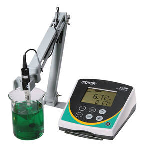 Oakton pH 700 Benchtop Meter with Double-junction Glass pH Electrode, ATC Probe, and Stand, 110/220 VAC, 50/60 Hz, with NIST Traceable Certificate of Calibration - WD-35419-11