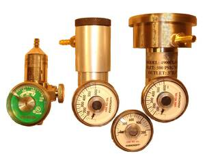Savannah Specialty Gauges for Regulator For 17/34 Liter Steel Cylinders - CGA 600